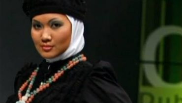 GLOBAL PULSE: Muslim Fashion: Cover Me Beautiful (3/19/2010)